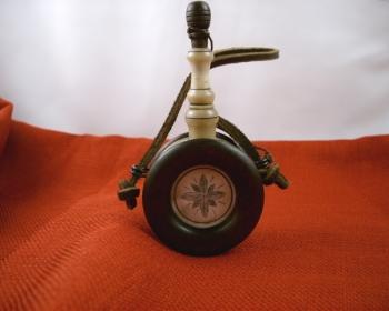 sanner-banjo-flask-1